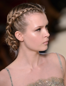 runway-haute-couture-elie-saab-french-braid